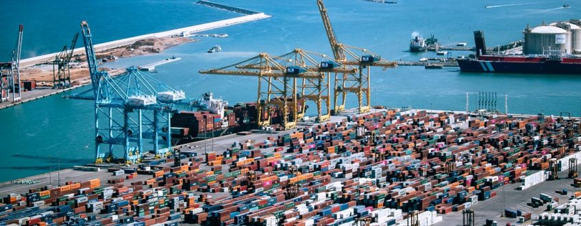 The concept of smart port means the use of new technologies.
